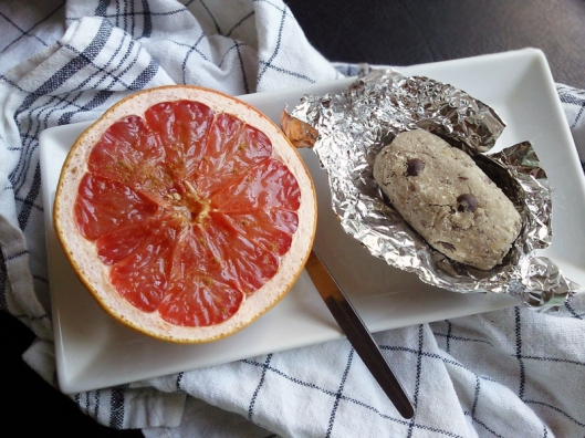 grapefruit and protein bar