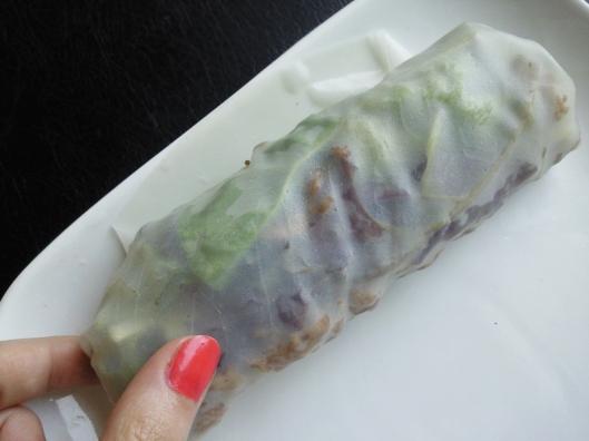 fold a rice wrap