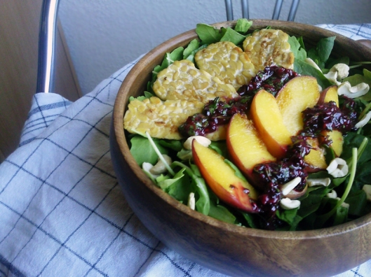 grilled peach tempeh salad